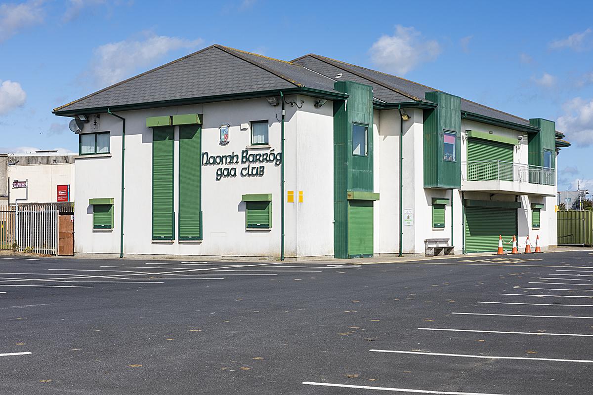 https://www.naomhbarrog.ie/wp-content/uploads/2020/08/Naomh-Barróg-clubhouse_003.jpg